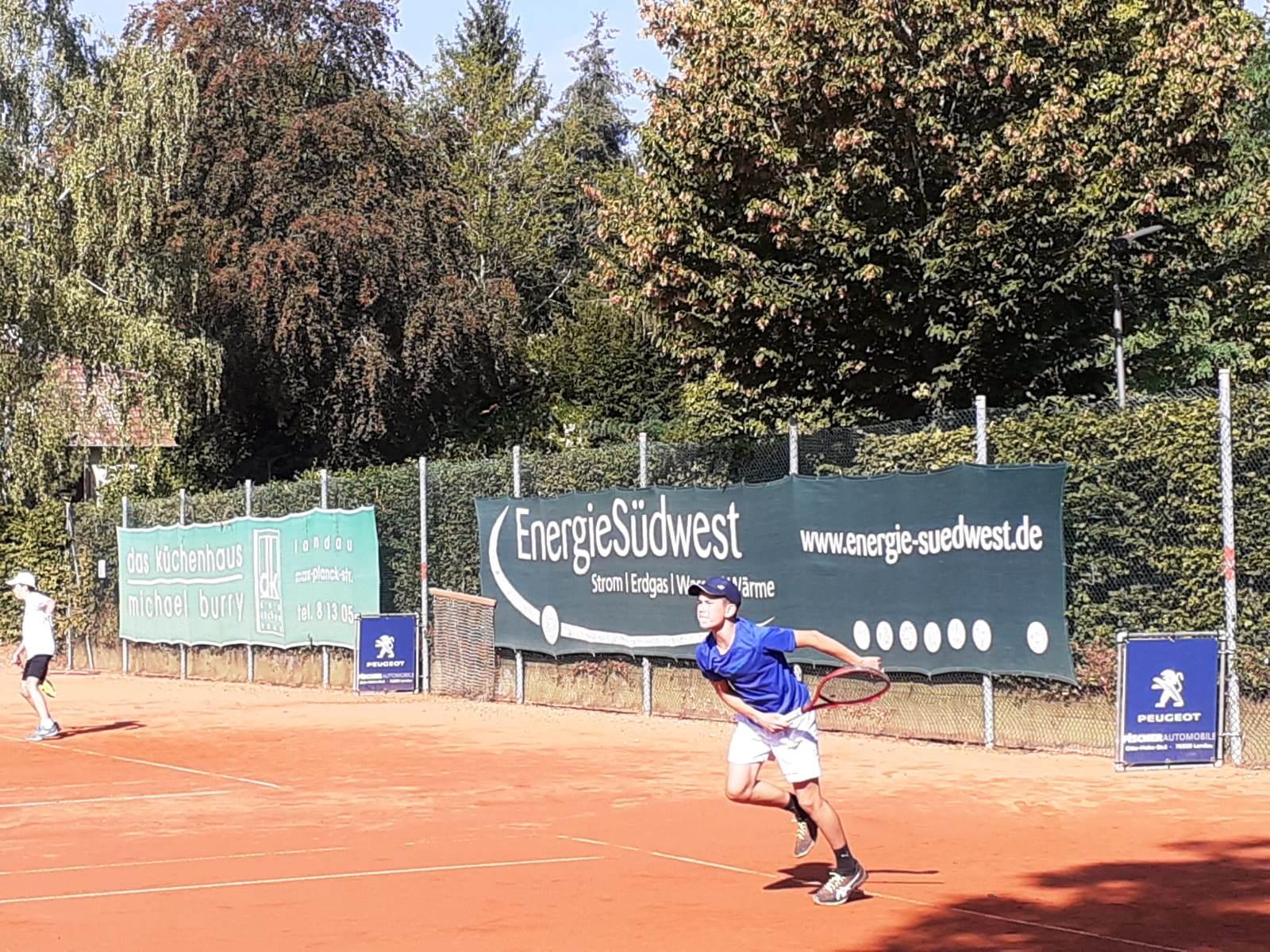 Tennis Landau